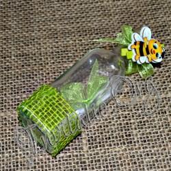 Invitatie botez handmade sticluta cu ravas verde si albinuta
