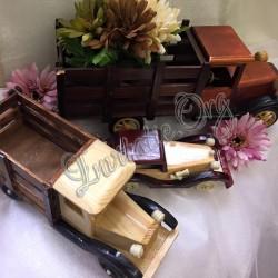 Masinute din lemn decorative