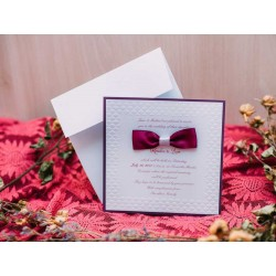 Invitatie de nunta eleganta cu fundita mov 50665