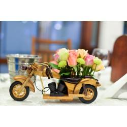 Motocicleta din lemn