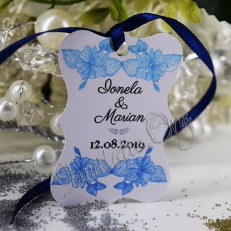 Eticheta eleganta cu flori de hibiscus bleu