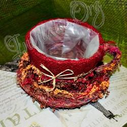 Cosulet din floricele rosii(cana de ceai)