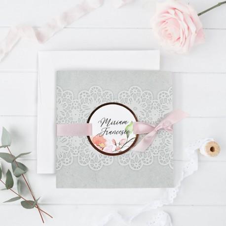 Invitatie de Nunta Deosebita cu Model Dantela si Motiv Floral 39728