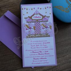 Invitatie de botez carusel roz lila
